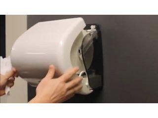 1. Wymiana wkładu i obsługa bezdotykowego, automatycznego podajnika ręczników papierowych w rolach (CJB502).