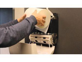 3. Wymiana wkładu i obsługa mechanicznego podajnika ręczników papierowych w rolach (CJB301).