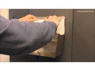 2. Uzupełnienie wkładu w pojemniku na ręczniki papierowe składane z linii MERIDA STELLA (ASM201).