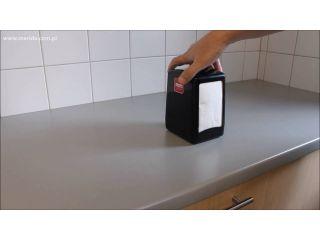 1. Uzupełnienie wkładu w pojemniku na serwetki gastronomiczne (GJC001).