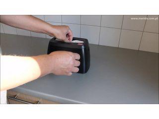 2. Uzupełnienie wkładu w pojemniku na serwetki gastronomiczne (GJC002).