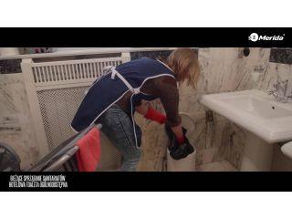 Bieżące sprzątanie sanitariatow, hotelowa toaleta ogólnodostępna.