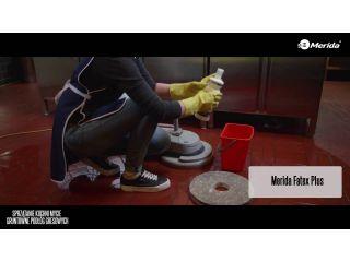 Sprzątanie kuchni, mycie gruntowne podłóg gresowych.